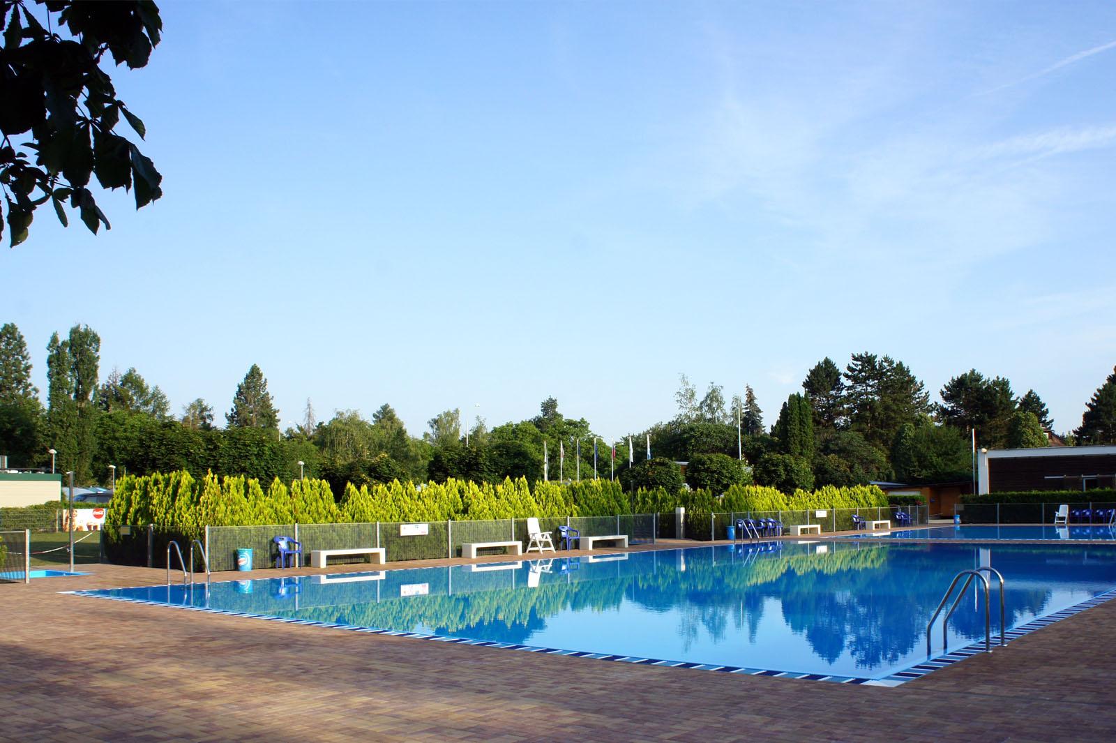 Camping Praha Klánovice - Swimming Pools