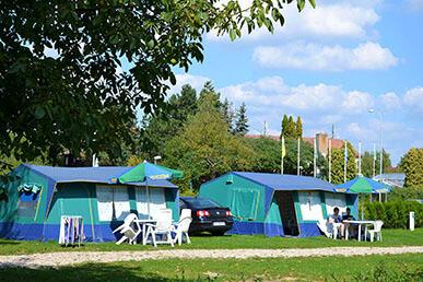Camping Praha Klánovice - bungalov stan Navajo